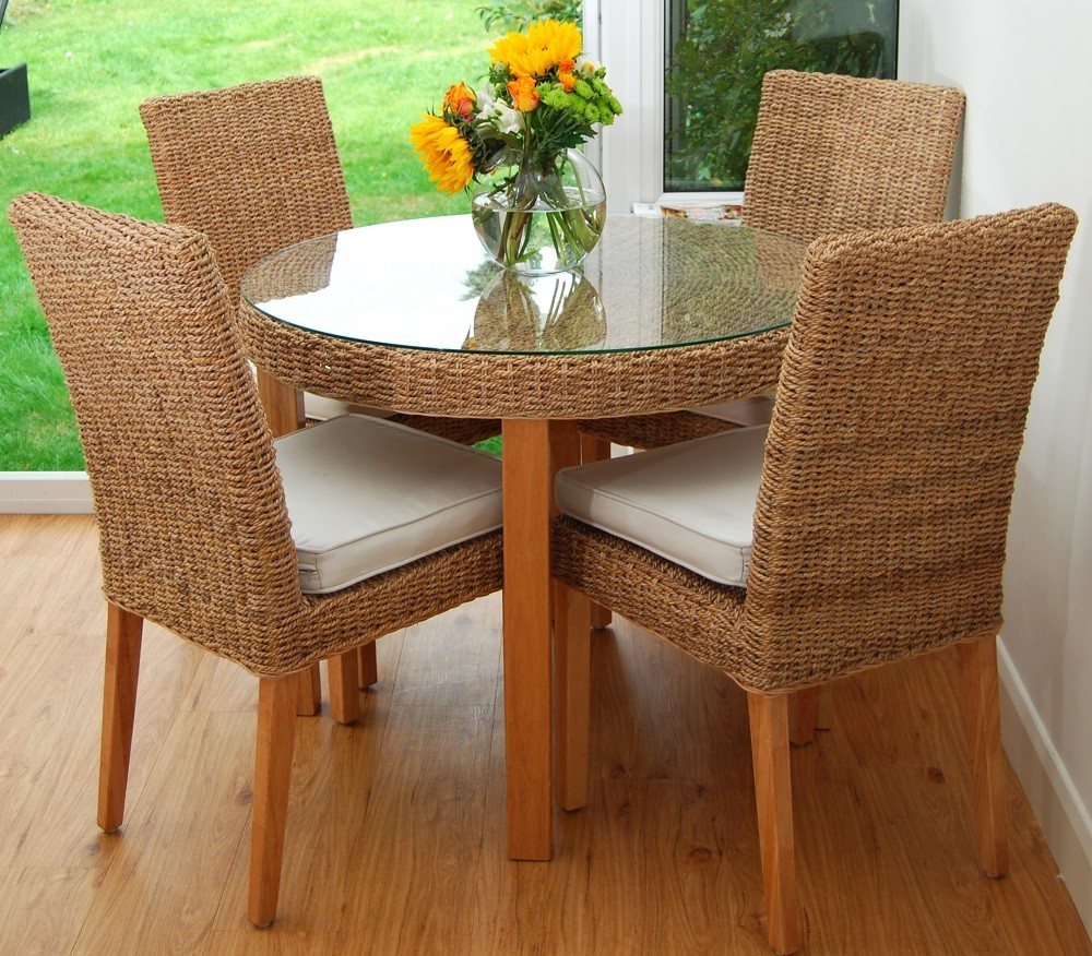 Tioman Seagrass 95cm Round Dining Table